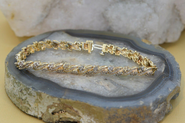 10K Yellow Gold Diamond Bracelet with Floral Pattern, Circa 1980
