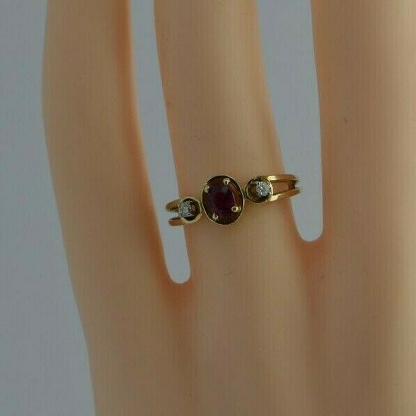 14K Yellow Gold Ruby Oval and Diamond Accent Ring Size 6+ Circa 1970