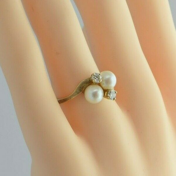 Vintage 14K Yellow Gold Pearl and Diamond Ring Size 6.25 Circa 1960