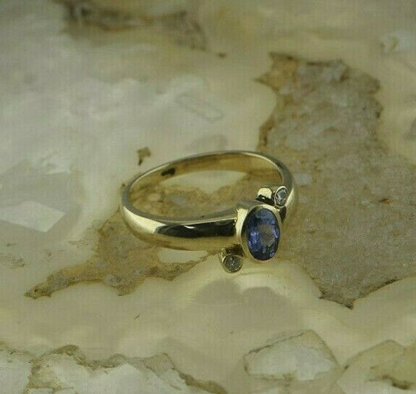 14K Yellow Gold 1ct tw Tanzanite and Diamond Ring Size 7 Circa 1980