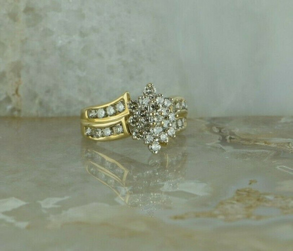 10K Yellow Gold 2ct tw Diamond Cluster Ring Circa 1990 Size 7