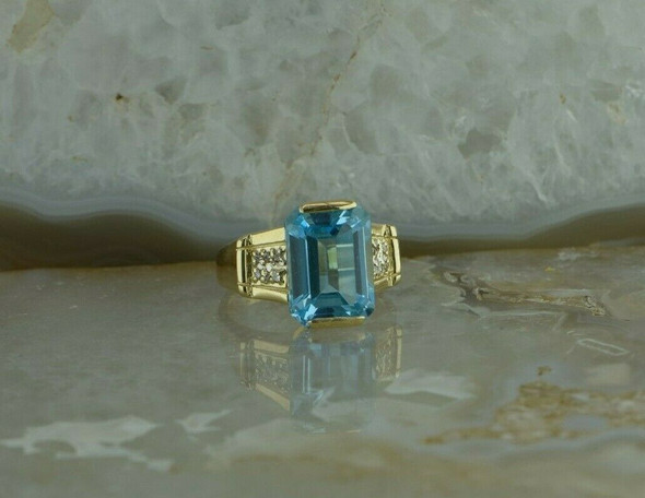 14K Yellow Gold Blue Topaz Diamond Accent Ring Size 7.5 Circa 1990