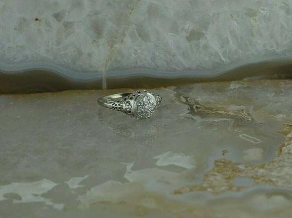 Vintage 14K White Gold Diamond Filigree Ring Size 4 Circa 1930