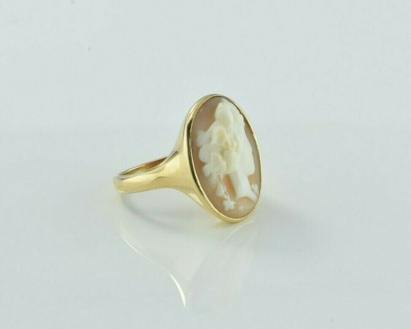 Antique 14K Yellow Gold Shell Cameo Ring Size 6.75 Circa 1920