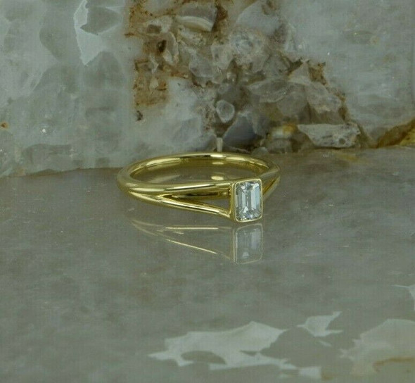 18K Yellow Gold 1/2 ct Emerald Cut Diamond Solitaire Ring Size 7