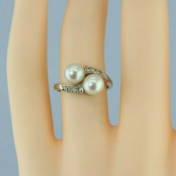 14K White Gold Pearl and Diamond Bypass Ring Size 4.5