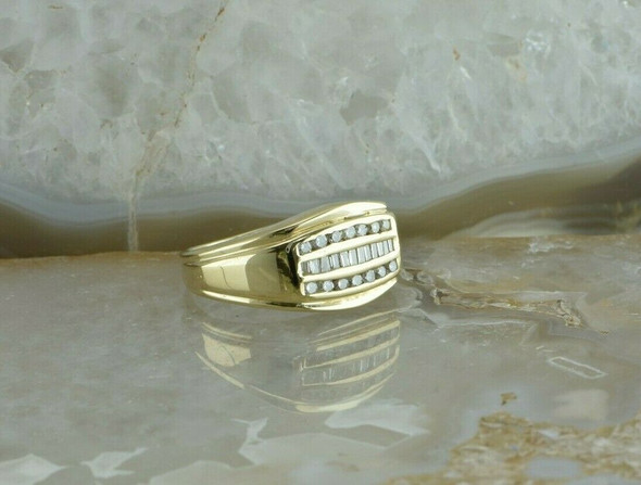 14K Yellow Gold 3/4 ct tw Diamond Ring H SI Size 7.25 Circa 1970