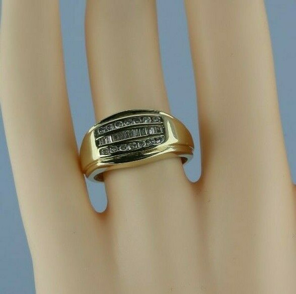 14K Yellow Gold 3/4 ct tw Diamond Ring H SI Size 7.25 Circa 1970