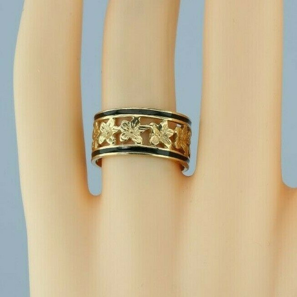 14K Yellow Gold Black Enameled Accent Floral Band Size 7+ Circa 1980