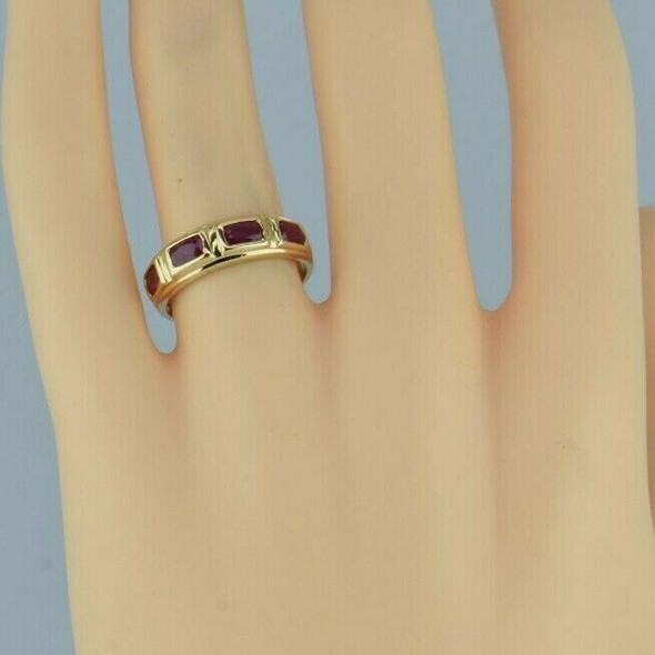 14K Yellow Gold 1+ ct Oval Ruby Ring Size 6.5 Circa 1990