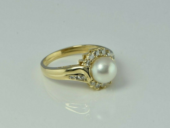 Vintage 14K Yellow Gold Pearl and Diamond Ring Size 6.25 Circa 1960 4.6 g
