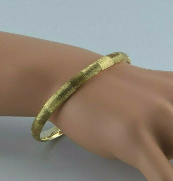 14K Yellow Gold Hinged Bangle Florentine Finished Circa 1950