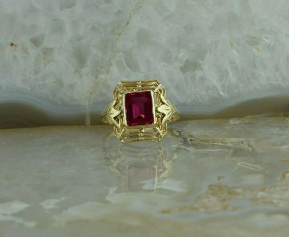 10K Yellow Gold Ruby Spinel Ring with Green Gold Leaf Accents Size 6 Circa 1940