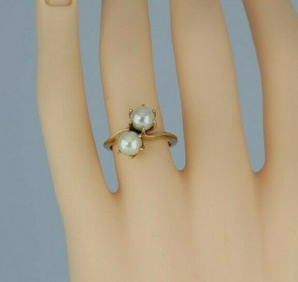 10K Modern 2 White Pearl Ring Bypass Shank Size 6 Circa 1970