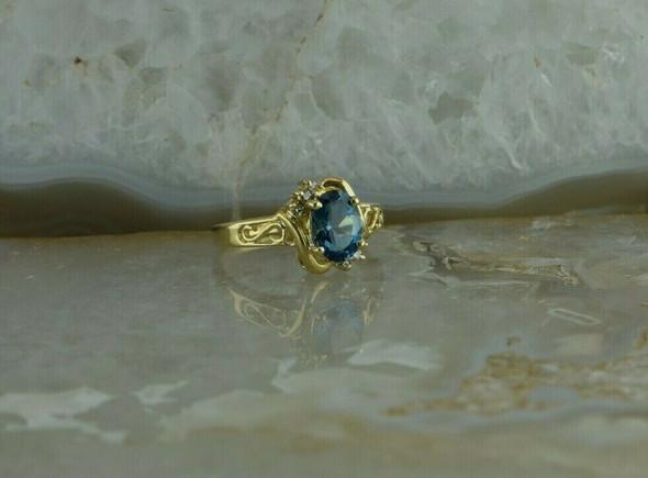14K Yellow Gold Blue Topaz Diamond Accent Ring Size 6 Circa 1970