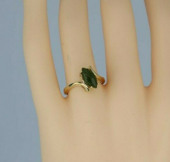 10K Yellow Gold Nephrite Jade Navette Ring Size 7.5