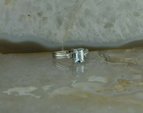 10K White Gold Aquamarine and Diamond Accent Ring Size 5 Circa 1990