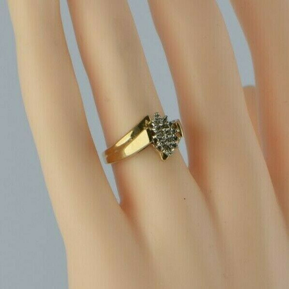 10K Yellow Gold 1/4 ct tw Diamond Cluster Cocktail Ring Size 6 Circa 1960