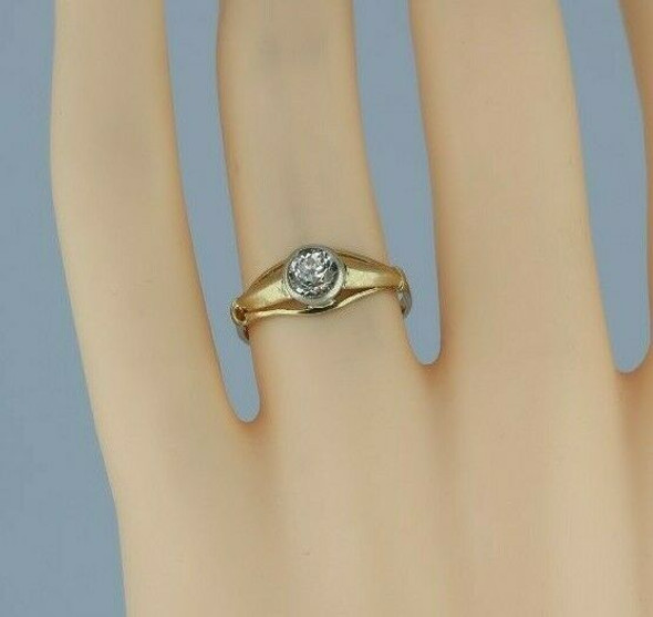 14K Yellow Gold and White Gold European Art Deco Crystal Ring Size 6 Circa 1930