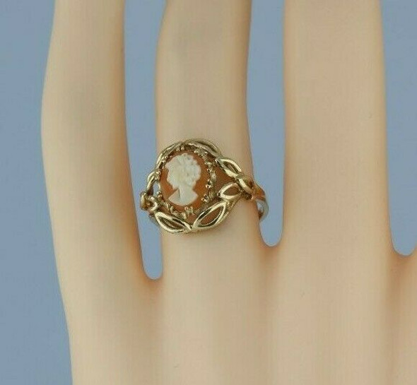 10K Yellow Gold Shell Cameo Ring Size 6 Circa 1970