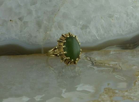 10K YG Nephrite Jade Ring Medium Dome Green Cabochon Size 4.25 Circa 1960