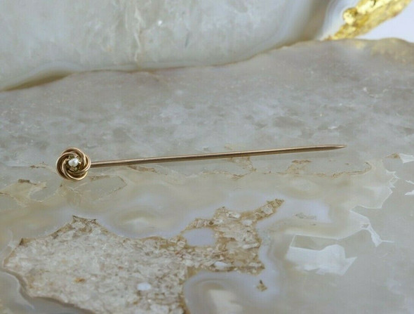 Vintage 10K Yellow Gold Pearl Love Knot Stick Pin Circa 1950