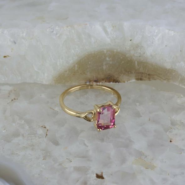 14K Yellow Gold Emerald Cut Pink Tourmaline Solitaire Ring Size 7.25 Circa 1970