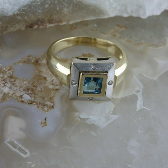 14K White & Yellow Gold Blue Topaz and Diamond Accent Ring Size 7 Circa 1980