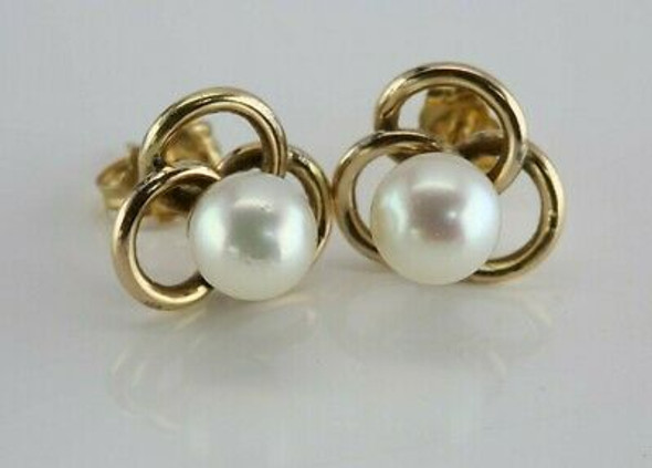 Vintage 14K Yellow Gold 6mm Pearl Studs Gold Trefoil Structure Circa 1960