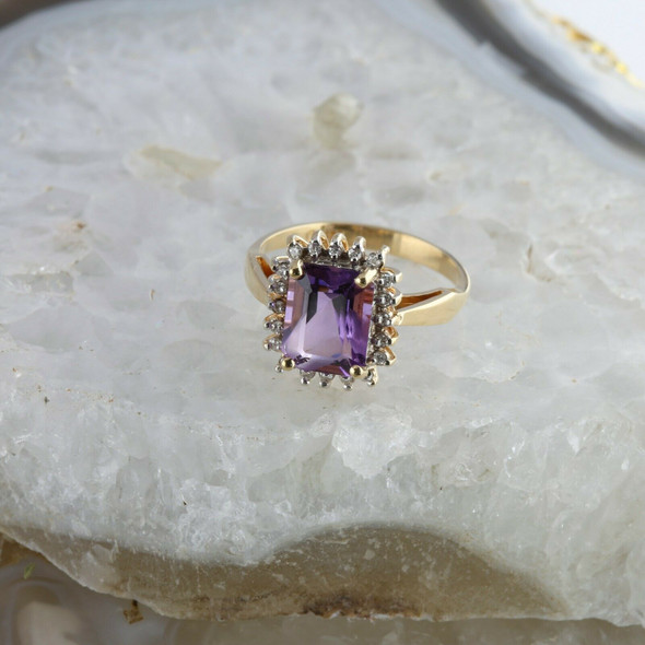 Vintage 14K Yellow Gold Amethyst Diamond Halo Ring Size 6.25 Circa 1960