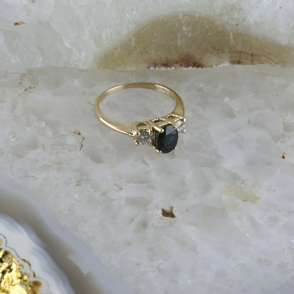 14K YG 1.5 ct tw Sapphire and Diamond 3 Stone Ring, Size 4.25