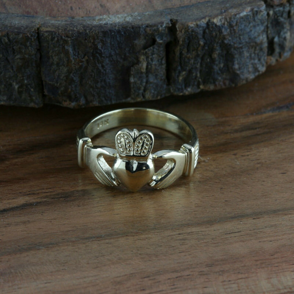 Men's 14K YG Claddagh Ring, Bold Casting, High Relief, .5 inch across, Size 10.5