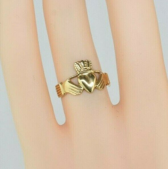 14K Yellow Gold Claddagh Ring Size 5.5