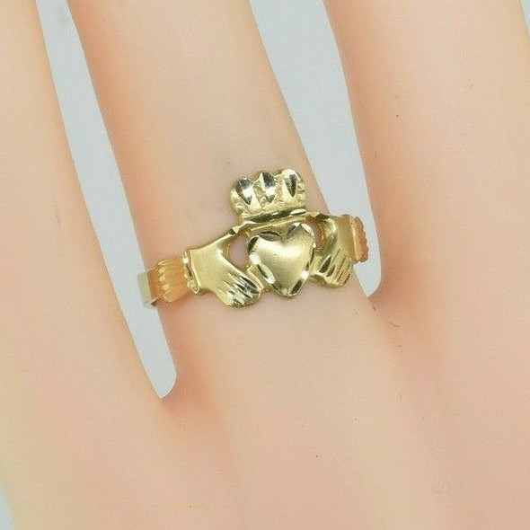 14K Yellow Gold Claddagh Ring Size 6.5