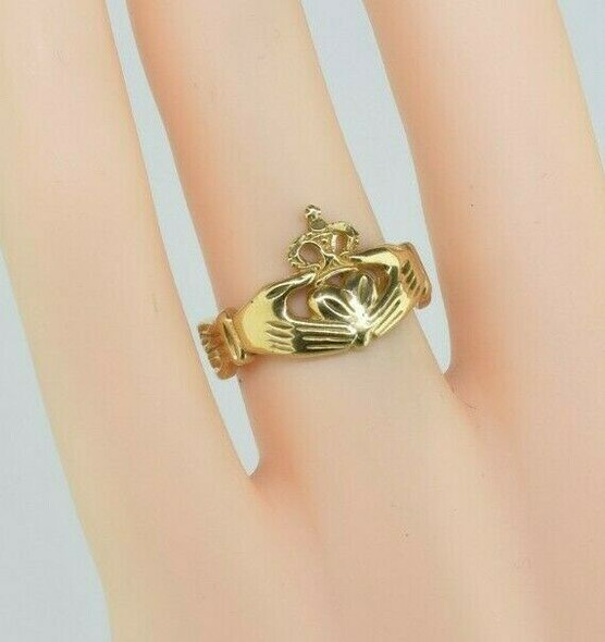 14K Yellow Gold Claddagh Ring Size 6