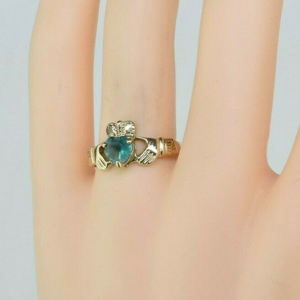 14K Yellow Gold Claddagh Ring Heart Green Stone, Size 8.75