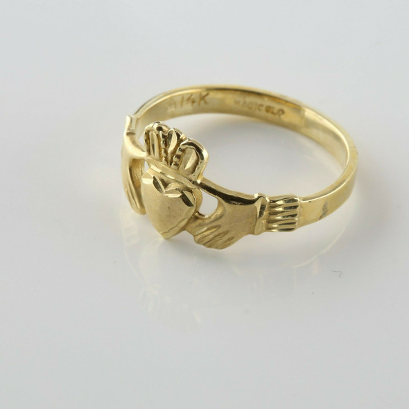 14K Yellow Gold Claddagh Ring Size 7