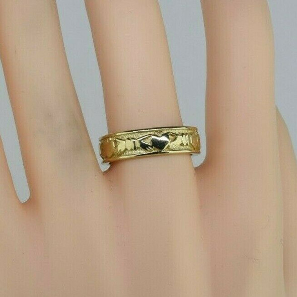 14K Yellow Gold Claddagh Band Size 8