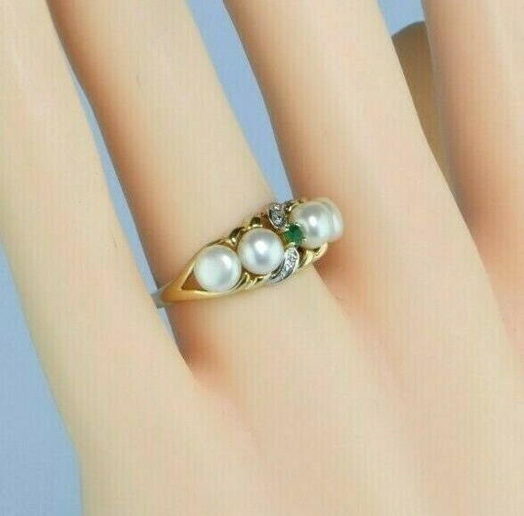 10K Yellow Gold Pearl Emerald and Diamond Ring Size 7 Circa 1980