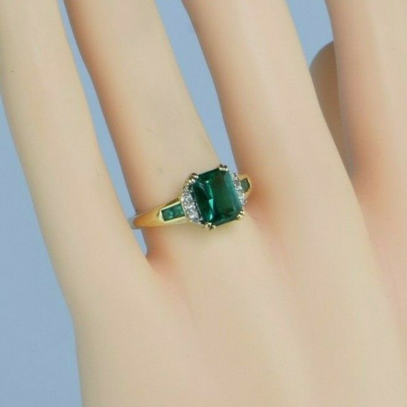 10K Yellow Gold Emerald Simulant Ring Size 7 Circa 1970