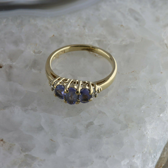 10K Yellow Gold Light Tanzanite and Diamond Ring Size 4.5 Circa 1980