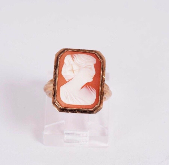 10K Yellow Gold Cameo Pinky Ring size 3