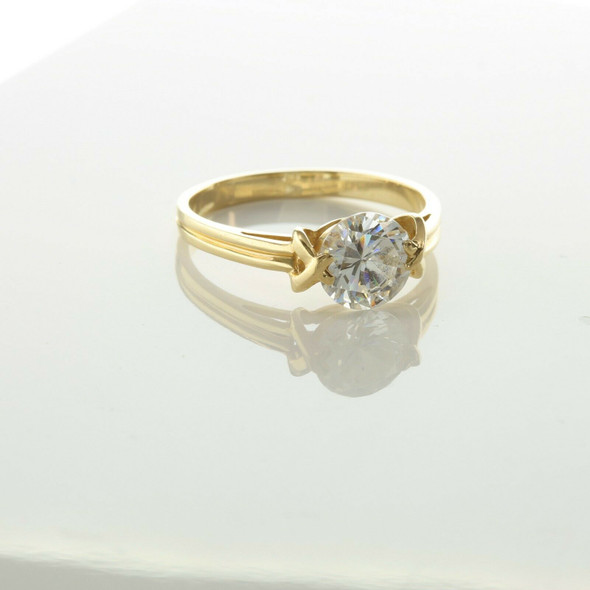 14K Yellow Gold Cubic Zirconia Solitaire Ring Size 9.75 Circa 1980
