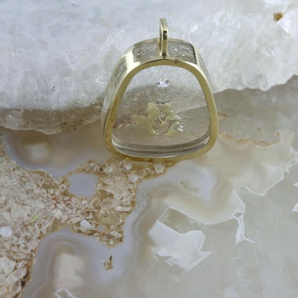14K Yellow Gold Kissing Couple Pendant, diamond mounted in lucite Circa 1970