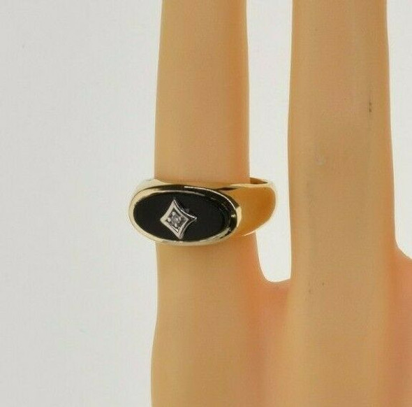 14K Yellow Gold Black Onyx and Diamond Ring Size 6.5 Circa 1950