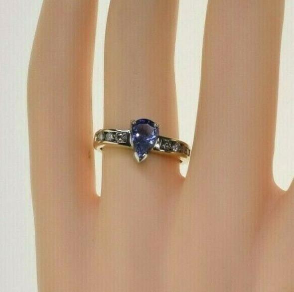14K Yellow Gold 2 ct tw Tanzanite and Diamond Ring Size 6 Circa 1990