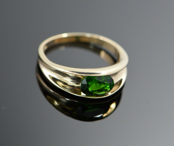 14K Yellow Gold Channel Set Oval Shape Green Stone Ring, Size 8