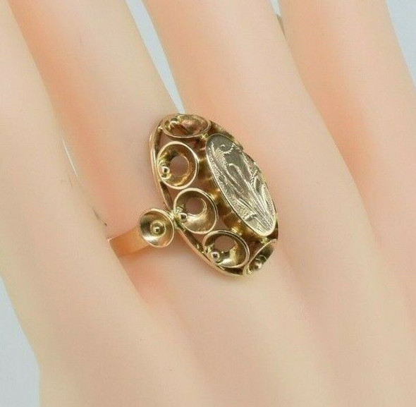 Antique 14K Yellow Gold Foliage Engraved Ring Circa 1900 Ring Size 7.75