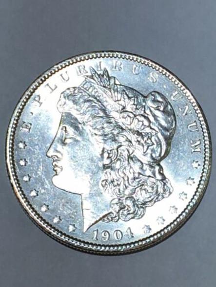 1904 MORGAN SILVER DOLLAR
