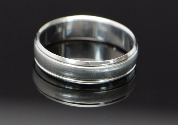10K White Gold Florentine Finish Band with polished Edges, Size 12.5